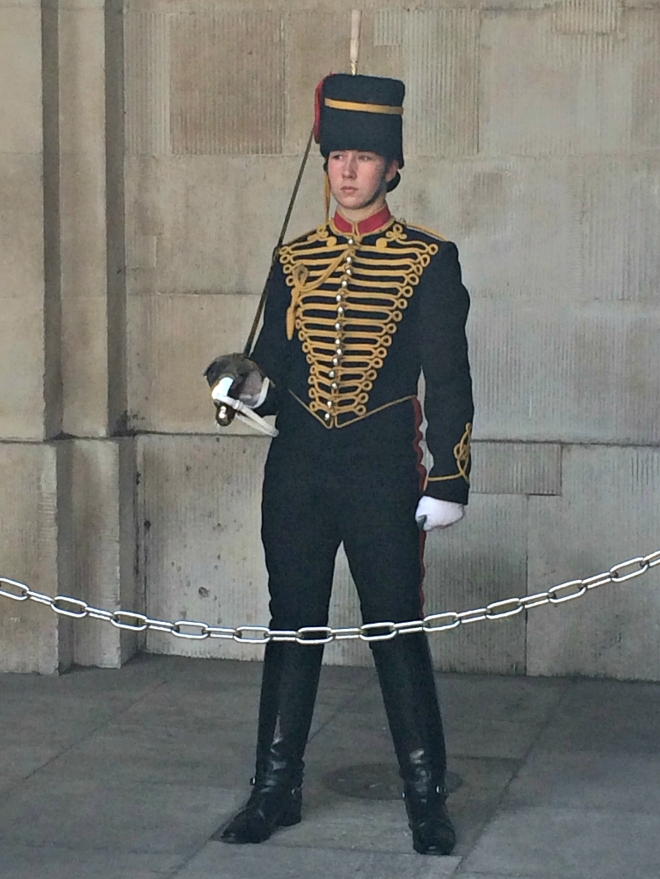Guard in front of the Household Cavalry Museum. I didn't dare to tickle him, he looked too serious ;)