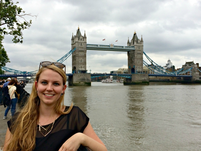Tourist must-have: A photo in front of the Tower Bridge.